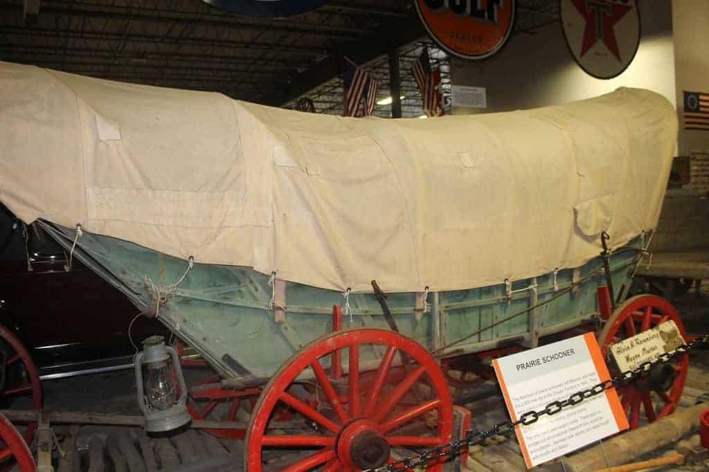 prairie schooner wagon train oregon trail